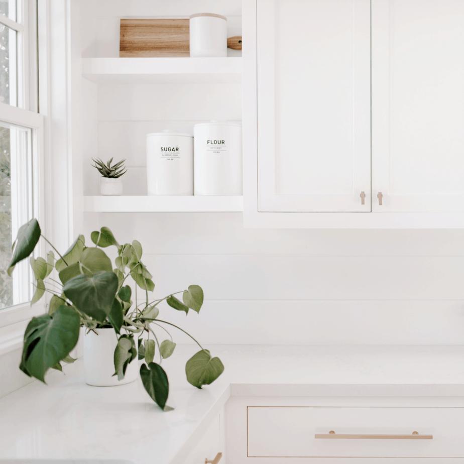 minimalist kitchen tips