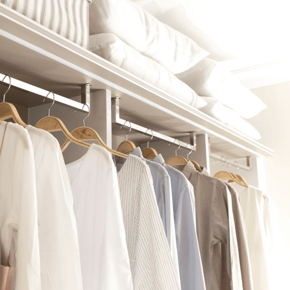 20 Practical Ways to Clean Out Your Closet