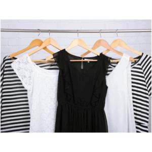 Minimalist Travel Wardrobe: 10 Essential Items You Need