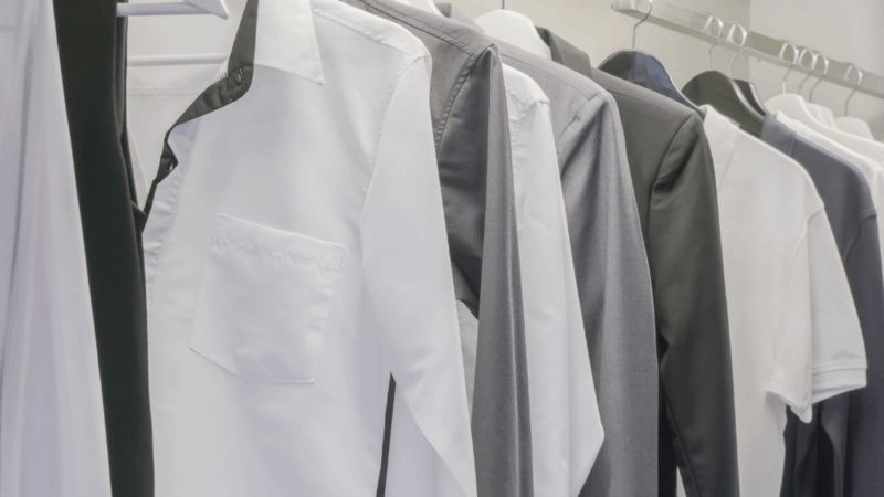 8 Simple Methods for Creating a Minimalist Wardrobe for Men