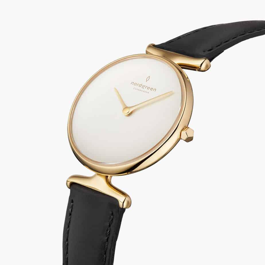minimalist fashion accessories