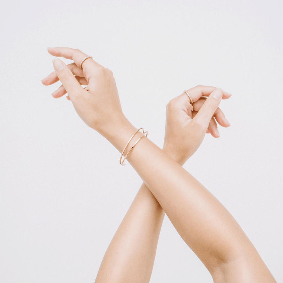 Minimalist Jewelry: 10 Brands You Need To Know