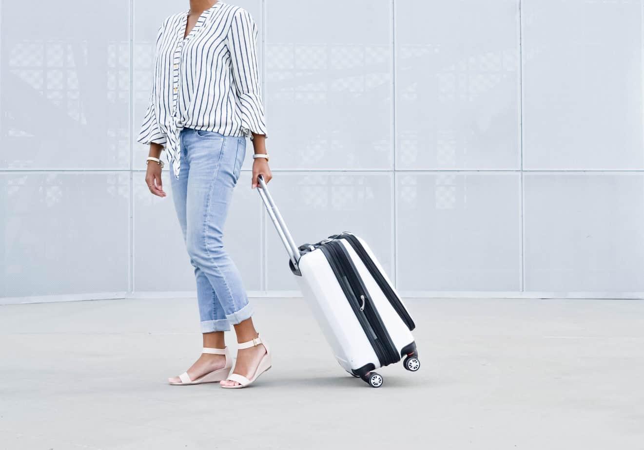 Minimalist Travel: 15 Simple Minimalist Packing Tips